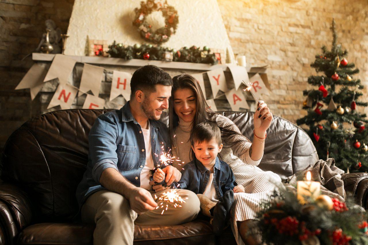 family-christmas-with-bengal-lights-1280x853.jpg